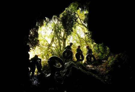 DW_Labyrinth_Group_Climbing out exit